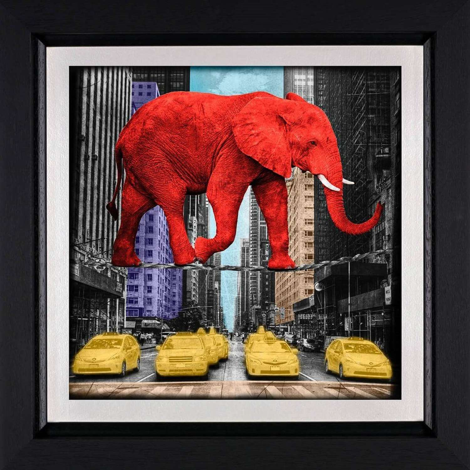 Crossing 5th Avenue - Framed Art Print by Lars Tunebo